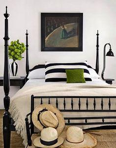 black & white in the bedroom - www.iwantmore.pl - www.more4design.pl - www.mymarilynmonroe.blog.pl