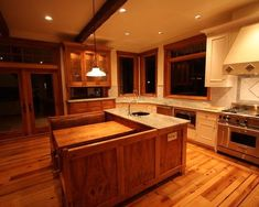 1000 images about kitchens on pinterest celebrity for Kitchen island booth