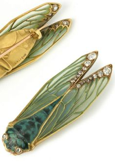 Lalique 1900 Cicada Brooch (front & back): glass/ gold/ diamonds insect grasshopper green