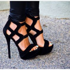 Can never go wrong with black heels
