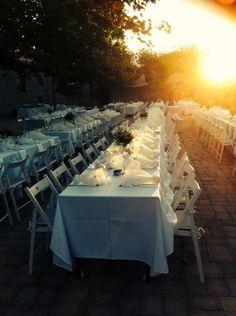 wedding table with gift