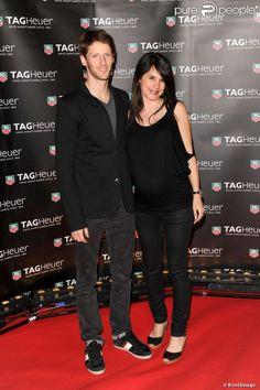 Romain Grosjean et sa femme Marion Jollès, enceinte, sur le yacht de l'horloger Tag Heuer à Monte Carlo. Le 25 mai 2013.