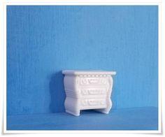 Miniatura feita em 100% resina. - cor branca R$ 2,15