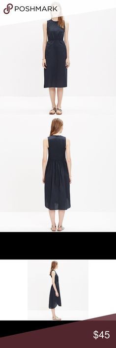 """Madewell Cotton Lakeshore Midi Dress In crisp cotton navy blue poplin with a ribbed crew neck collar, this midi dress has a flattering waist and a sleek curved hem. 42"""" in length. Bust measures 18"""" across laying flat. In fantastic condition. Madewell Dresses Midi"""