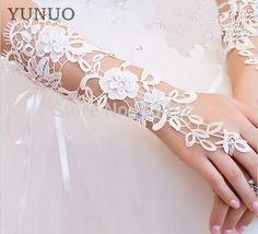 2017 neue Ankunft Elegante Braut Handschuhe Für Hochzeitskleid Luxus Diamant Ausschnitt Spitze Weiß/Elfenbein Handschuhe Fingerlose Hochzeit Handschuhe