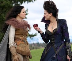 Snow White and the Huntsman - Snow White and Evil Queen.