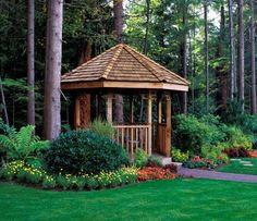 inspiracje w moim mieszkaniu: Drewniana altana w ogrodzie