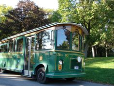 The Niagara Trolley offers some of the most scenic sightseeing on the ground in Niagara Falls. #PerfectDayNF