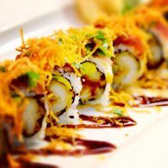 Un maki (roll) para matar el hambre a esta hora.... Y con langostino en tempura en salsa Teriyaki mejor, o creen que es muy tarde?