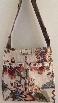 Go green Tapestry handbag $10 Anniesteen@yahoo.com