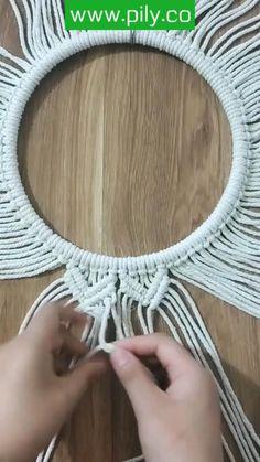 Macrame Design, Macrame Art, Macrame Projects, Macrame Mirror, Macrame Plant Hanger Patterns, Macrame Wall Hanging Patterns, Macrame Patterns, Rope Crafts, Diy Gifts
