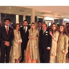 Here comes the bride! #MarjanAhmed is drop dead gorgeous in #BuntoKazmi #swoon #wow #gorgeousbride #khizjan #happeningnow #karachi 💥👏💕