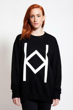Love the loose sweatshirts! Feel so comfy!  Find it at www.ozonboutique.com Streetwear Fashion, Street Wear, Women Wear, Graphic Sweatshirt, Comfy, Sweatshirts, Womens Fashion, Fabric, Sweaters