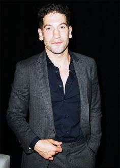 Jon Bernthal as a sexy beast. Sink your teeth into THAT ladies! MeOW! ;)