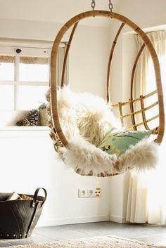 HOME & GARDEN: 35 fauteuils suspendus en rotin