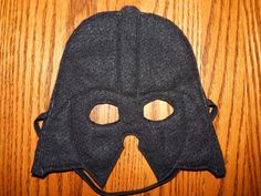 Items similar to Star Wars - Darth Vader Felt Mask Costume Accessory - Any Size Avaliable on Etsy Star Wars Sith, Star Wars Dark, Costume Star Wars, Star Wars Halloween Costumes, Funny Costumes, Diy Costumes, Diy Pour Enfants, Schuster, Costumes