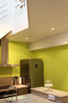 Cuisine lumineuse et éclairée avec le plafond tendu EXTENZO !