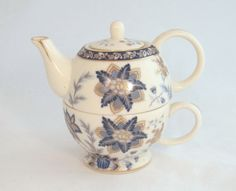 Vintage Porcelain Tea for One Stackable Teapot by TheWhistlingMan, £12.00