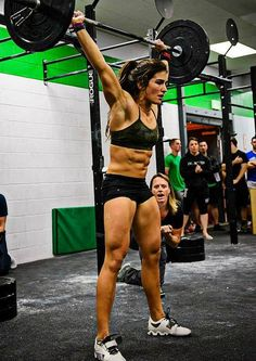#LaurenFisher, recent competitor in the #CrossfitGames. This girl kicks butt! #Crossfit