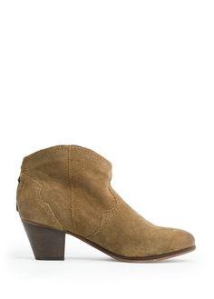 Ankle-Boots im Cowboy-Stil