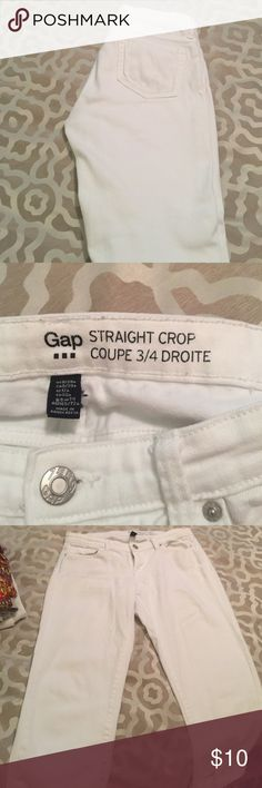 Gap straight crop coupe pants size 3/4 Gap straight crop coupe pants size 3/4 solid white GAP Jeans Ankle & Cropped