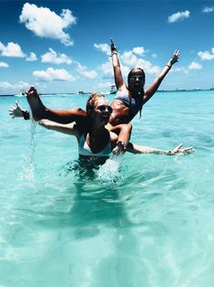 Best friend pictures, bff pictures, beach pictures, bff pics, f Cute Beach Pictures, Cute Friend Pictures, Best Friend Pictures, Friend Pics, Beach Picture Poses, Seaside Pictures, Friend Goals, Bff Pics, Summer Vibes