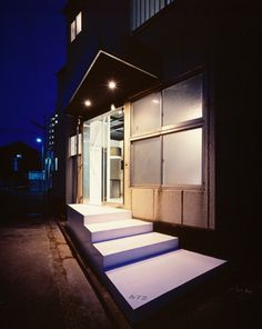 Hair salon entrance. Dramatic lighting. By case-real.