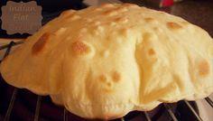 Chapati est un pain indien quotidien sans levain appelé aussi roti. Un pain à base de farine spéci...