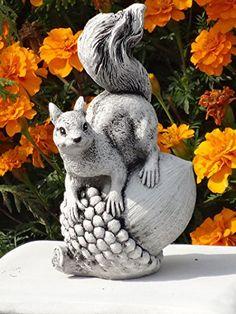 Gartenfigur Eichhörnchen Steinfigur