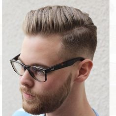 Jerimy's Hair Goals 20 Pompadour Hairstyles for Men Mens Hairstyles Pompadour, Trendy Mens Hairstyles, Hipster Hairstyles, Girl Haircuts, Haircuts For Men, Medium Haircuts, Short Hair Cuts, Short Hair Styles, Hipster Man