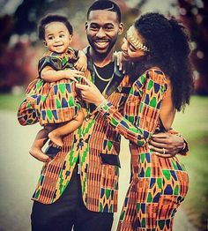 Life ! #mybeautifulafrica #africa #africanfamily #africanstyle #matching #cute #classy #darkskin #style #beauty #cutecouple #cutefamily #africanprint #wax #ankara #style #fashionstyle #africanfashion #outfit
