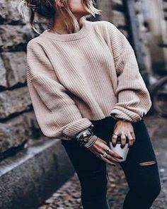 Herbstmode, Wintermode, Damenmode, Jugendmode, neutral 5 Ways to Create (& Stick to) a Holiday Budget Mode Outfits, Edgy Outfits, Cute Casual Outfits, Fall Outfits, Hipster Outfits, Dress Casual, Outfits With Black Jeans, Autumn Outfits Women, Black Jeans Outfit Winter