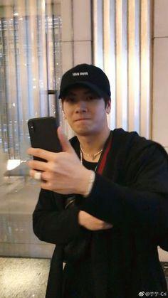 Jackson Wang Is The Type Of Boyfriend Youngjae, Bambam, Kim Yugyeom, Got7 Jackson, Jackson Wang, Girls Girls Girls, Kpop, Rapper, Types Of Boyfriends