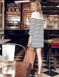 madewell et sezane striped knit dress in ink with button-back detail. - Total Street Style Looks And Fashion Outfit Ideas French Girl Style, French Girls, Look Fashion, Spring Fashion, Girl Fashion, Dress Fashion, Fashion Outfits, Bar Outfits, Vegas Outfits