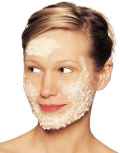 How to Get Rid of Unwanted Facial Hair Naturally. In India the women mix Gram Flower and Turmeric powder, leaves the skin smooth, unbelievable flawless and removes facial hair. Lemon and sugar mix. Health Guru, Health Trends, Radiohead, Piel Natural, Natural Skin, Natural Health, Natural Facial, Beauty Care, Beauty Hacks