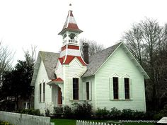 Oysterville is one of the oldest towns in Washington State. It is located near the northern tip of the Long Beach Peninsula in Pacific County. This old Baptist church was built in The Longbeach Peninsula is a beautiful place to relax and explore! Old Country Churches, Old Churches, Cathedral Church, Church Architecture, Church Building, Houses Of The Holy, Christian Church, Chapelle, Old Barns