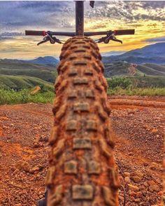 Xc Mountain Bike, Cycling Tattoo, Running Photos, Bike Logo, Trek Bikes, Cycling Motivation, Photography Series, Bike Wear, Bicycle Art