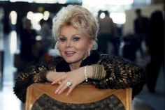 Zsa Zsa Gabor smiling at the airport 1995  CODE: 364178  (Express Newspapers via AP Images)