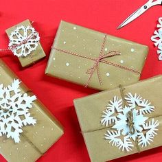 Si necesitas Papel Kraft para envolver regalos: https://www.cajadecarton.es/bobinas-y-bolsas-papel?utm_source=Pinterest&utm_medium=social&utm_campaign=20160616-bobinas_papelkraft