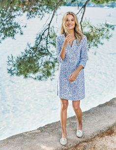 This modern take on the classic tunic dress has become a much-loved Boden favourite. The statement prints and delave option are guaranteed to have you dreaming of Marrakech (even if the weather is a little more Manchester). It has a flattering empire seam to nip you in under the bust and comes in mid-weight linen – perfect for wearing with bare legs and gladiators on hot days or throwing over jeans and ankle boots on colder ones.