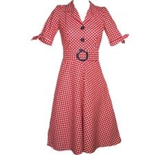 I love the forties! I wish my closet was full of stuff like this.