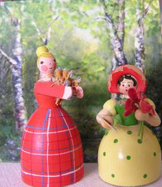 Tiny Wooden Dolls by Hitty Evie, via Flickr