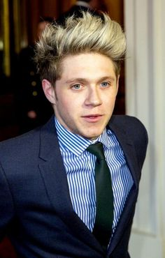 EYES. HAIR. #Perfect Niall!!
