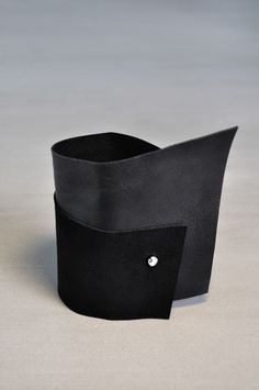 AumorFia   SOFT   leather cuff