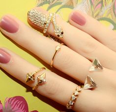 Gorgeous Golden snack ring jewelry