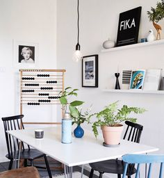Small dining space via Coco Lapine Design blog.