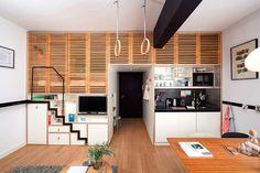 """Dá pra """"guardar"""" a escada. Os arquitetos da Concrete Architectural Associates são os responsáveis por todo o desenho e decoração do interior"""