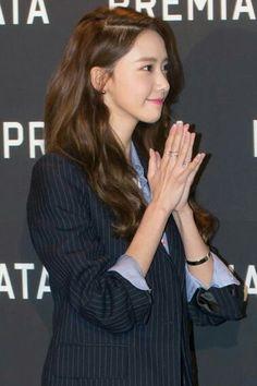 #Yoona #윤아 #ユナ #SNSD #少女時代 #소녀시대 #GirlsGeneration 160329 PREMIATA