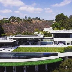 $55,000,000 Stradella Rd. Bel-Air Mansion designed by architect Paul McClean. 14,000 sqft. #luxury #luxurylife #billionaire #realestate #millionaire #lifestyle #belair #losangeles #picoftheday #mansion #architecture #good #design #designer #style