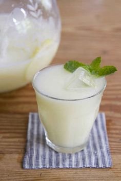 Meet the drink that will ruin you for all other summertime beverages: blender lemonade.